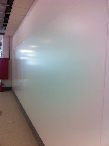 Revestimiento paredes interiores pvc reparaci n del for Revestimiento paredes interiores pvc